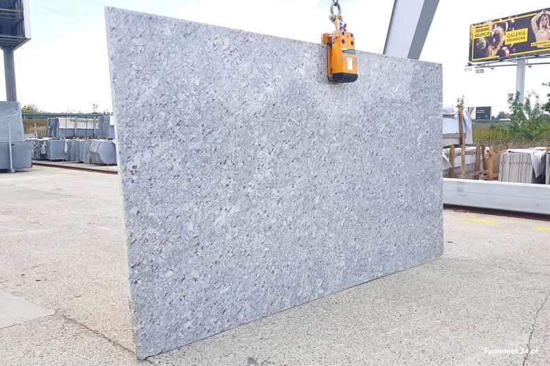 Slab granitowy Emerald White